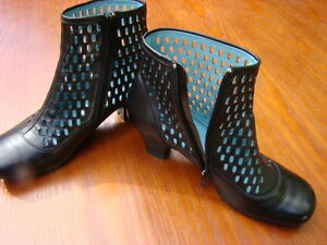 Marc Collection Leather Ankle Boots size 8 Womens