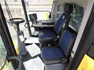 2015 New Holland CR8.90 Demo Combine -517hp,197H 24 mos int free Regina Regina Area image 15