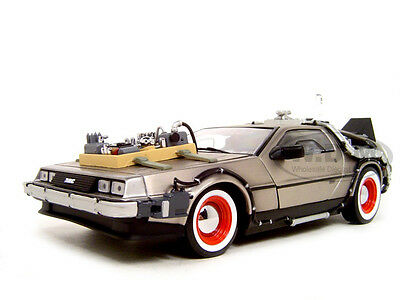 BACK TO THE FUTURE III 3 DELOREAN 1:18 DIECAST MODEL CAR BY SUNSTAR 2712