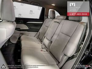 2014 Toyota Highlander LE standard package All-wheel Drive (AWD) Edmonton Edmonton Area image 18