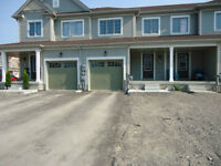 New 3 Bedrooms 2,5 Bath Freehold Townhouse for Sale Niagara Fall