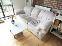 white sofa / fauteuil blanc / couch for sale