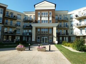 Turn Key Ready & Immediate Possession 797 Sq Ft Condo