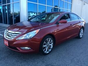 2013 Hyundai Sonata Leather - Sunroof - 10 Spoke Alloys Wheels