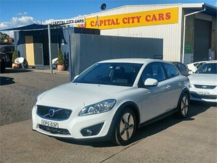2010 Volvo C30 MY10 1.6 Drive White 5 Speed Manual Hatchback Mitchell Gungahlin Area Preview