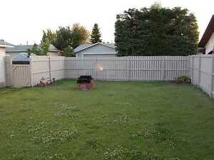 Double Garage!! 3 Bedroom Main Bungalow!! Edmonton Edmonton Area image 13