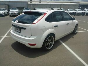 2009 Ford Focus LV LX White 5 Speed Manual Hatchback Vincent Townsville City Preview