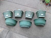 7 Plastic Hanging Baskets