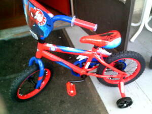 NEW   SPIDERMAN  child bike and helmet