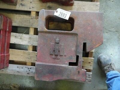 International Harvester Tractor 100 Lb. Suitcase Weight Part 712002c1 Tag 2693