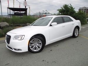 2016 Chrysler 300 TOURING V6 REDUCED TO $25980!!! (PANORAMIC ROO