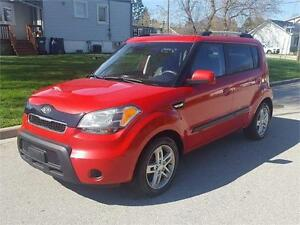 2010 KIA SOUL 2U | 5 SPEED | HEATED SEATS | ALLOYS
