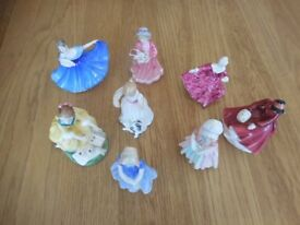 Royal doulton fiqures 8 off minitures price for lot willing to split
