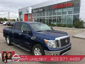 2017 Nissan Titan SV Premium Package 4x4 **SAVE THOUSANDS*