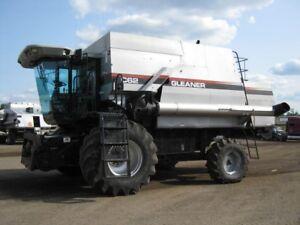 Gleaner C62 Combine