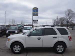 IMMACULATE !!! 2012 FORD ESCAPE