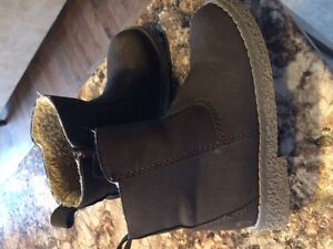 Gap Toddler Boys' Winter Boots - size 10 - Perfect Condition