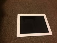 White Apple iPad2 32G Wifi. Used but in GREAT CONDITION