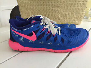 Nike Running Shoes- Size 7 youth