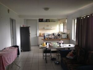1 room of rent in a 2 bed flat Highgate Hill Brisbane South West Preview