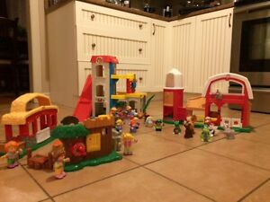LITTLE PEOPLE + FISHER PRICE FARMS