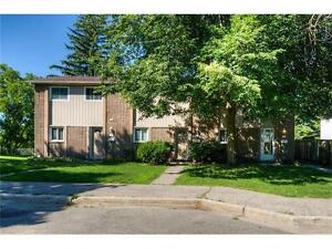 Beautifully renovated 3 Bedroom townhome in Kitchener!
