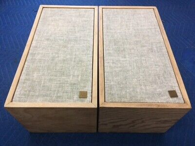 AR4  ACOUSTIC RESEARCH BIRCH PLYWOOD SPEAKERS  SUPER RARE FANTASTIC CONDITION