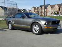 2005 Ford Mustang Convertible 6 cylinder in great shape leather