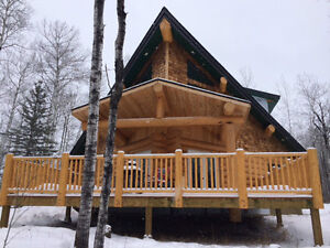 Beautiful Fully Equipped Log Cabin close to Christopher Lake SK