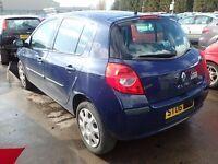 Renault Clio 2006 breaking for parts