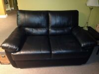 ***** Black Leather Love Seat ( Like New ) *****