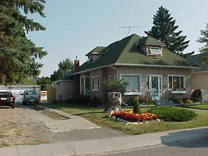 HOUSE FOR SALE or Rent FORT MACLEOD