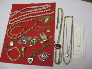 BROOCHES, LOCKETS, NECKLACES, BRACELETS