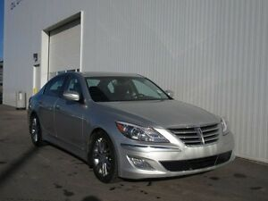 2013 Hyundai Genesis 3.8L All Options! Low Payments Contact Ryan