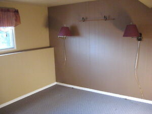 1 bedroom student suite in Salmon Arm