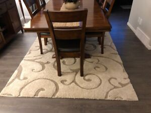 Area rug 6' x 8' for sale