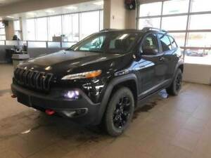 2018 Jeep Cherokee Trailhawk *Pano Roof* *Dominate Winter*