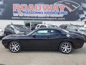 2016 Dodge Challenger SXT PLUS Navigation Sunroof