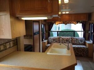 Roulotte Fifth Wheel Sellette Sportsmen 2004 MUST SEE FAUT VOIR!