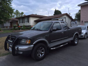 03 ford f150 / 7700 in outstanding condition
