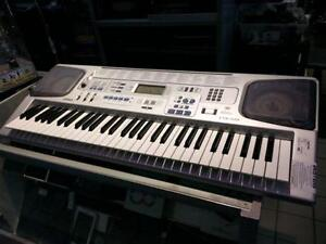 Casio Keyboard. We Sell Used Instruments. (#2616)