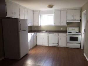 Large townhouse, 5 appliances, central Halifax, carport, deck