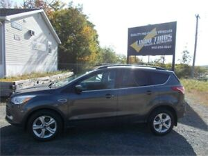 2016 Ford Escape SE 4WD WITH HEATED LEATHER SEATS