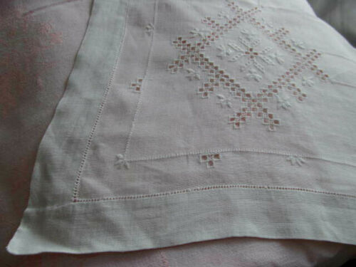 Antique Handmade Fine Italian Embroidery Cutwork Linen Tablecloth 70x56