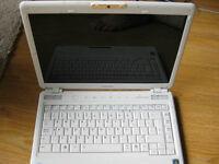 """Toshiba Satellite M300 - 14.1"""" - Pentium T2390 White Laptop"""