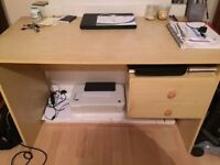 OAK WOOD DESK - EXCELLENT CONDITION