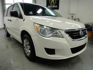 2010 Volkswagen Routan ONE OWNER,NO ACCIDENT,VERY CLEAN