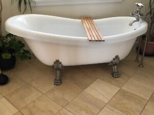 Luxury Clawtub and freestanding tub filler