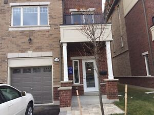 Brand New Never Lived 3 Bedroom Town House In Brampton