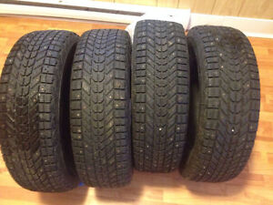 Studded winter tire 215 70 R16 ,  150$ takes all